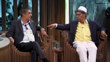 Zeca Pagodinho e Monarco falam sobre marginalização do samba - Com os ensinamentos de Paulinho da Viola, Monarco se preparou para preconceitos que provém da marginalização do samba. Para Zeca, essa rejeição não mudou