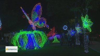 Boa Vista recebe decoração de Natal inspirada em animação da Disney - Clima natalino encanta crianças.