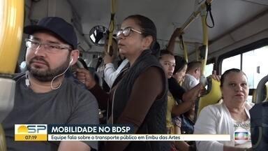 BDSP acompanha o movimento no transporte público na Região Metropolitana - Passageiros da linha 033, que vai de Embu das Artes para a capital, reclamam que ônibus não saem no horário
