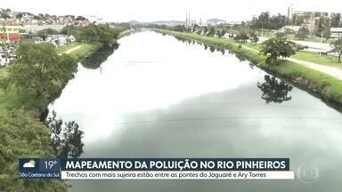 Rio Pinheiros tem sujeira acumulada entre as pontes do Jaguaré e Ary Torres - O estudo é da Empresa Metropolitana de Águas e Energia. O acúmulo de sujeira entre as pontes do Jaguaré e Ary Torres se deve às desembocaduras dos córregos que levam lixo dos bairros para o rio.
