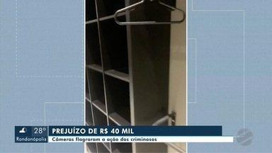 Bandidos levam R$ 40 mil de mercadorias de loja - Bandidos levam R$ 40 mil de mercadorias de loja.
