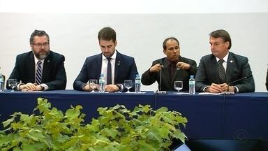 Bolsonaro anuncia repasse de verbas para hospitais da Serra - Anúncio foi feito durante a Cúpula do Mercosul, em Bento Gonçalves.