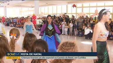 Crianças tiveram um dia especial no Castelo do Batel, em Curitiba - São crianças de escolas públicas, clubes de mães e outras entidades filantrópicas participaram de uma confraternização especial de Natal.