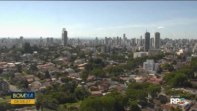 Previsão é de tempo aberto no fim de semana em Curitiba - Máxima pode chegar a 26 graus neste sábado.