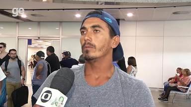 Cearense Artur Silva comemora título no campeonato brasileiro de surfe - Cearense Artur Silva comemora título no campeonato brasileiro de surfe