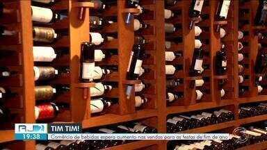 Comércio de bebidas espera aumento nas vendas para festas de fim de ano - Consumidores celebram Natal e Ano Novo com brinde especial.