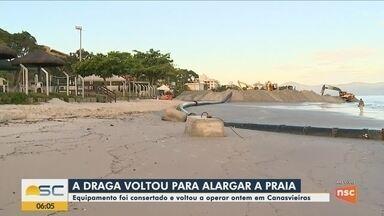 Draga volta a operar na praia de Canasvieiras em Florianópolis - Draga volta a operar na praia de Canasvieiras em Florianópolis