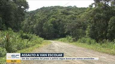 Motorista e crianças que estavam em van escolar são rendidos durante assalto em Joinville - Motorista e crianças que estavam em van escolar são rendidos durante assalto em Joinville