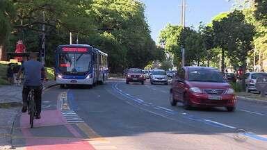 Nova faixa exclusiva para ônibus passa a funcionar na Avenida Goethe, na Capital - As mudanças visam incentivar o uso do transporte público na cidade.