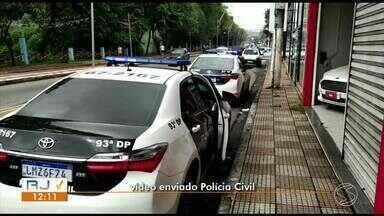 Polícia Civil investiga fraude em financiamento de veículos em Volta Redonda - Equipes estão nas ruas para cumprimento de quatro mandados judiciais cujos alvos são retrovendedores de veículos do município. Esta é a segunda fase da Operação Gângster.