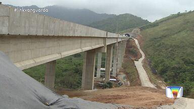 Obras do contorno da Tamoios seguem paradas - Contorno deveria ter sido entregue em 2017.