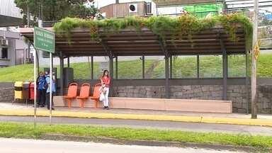 Caxias do Sul tem parada de ônibus sustentável - Objetivo é unir segurança, conforto e cuidado com o meio ambiente.