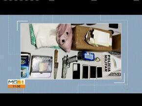 Quatro pessoas são detidas após roubarem van dos Correios em Ipatinga - Segundo a Polícia Militar, autores foram detidos após rastreamento da PM. Militares recuperaram os materiais roubados e apreenderam uma arma, celulares, faca e uma quantidade de drogas.