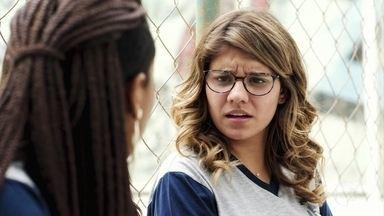 Raíssa procura por Anjinha e Jaqueline faz questionamento sobre Marco - Nanda avisa suas amigas que seu clipe estreará