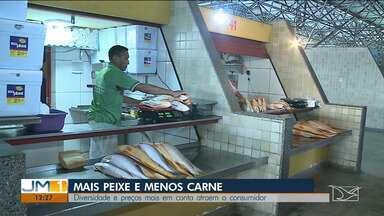 Alta no preço da carne leva consumidores a optarem por peixes no Maranhão - O quilo da pescada e do camarão estão bem mais atrativos para os consumidores.