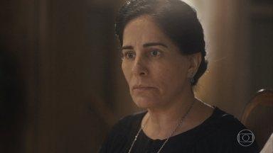 Lola perde a paciência ao conversar com os filhos sobre decisão de demitir Durvalina - A família sofre com a falta de dinheiro