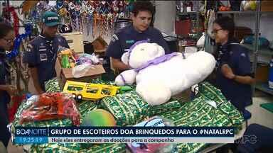 Grupo de escoteiros doa brinquedos para o Natal da RPC - Hoje (14) eles entregaram as doações para a campanha.