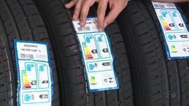 Lei obriga etiqueta em pneus auxiliam na hora da escolha do modelo do pneu - Veja como funciona.