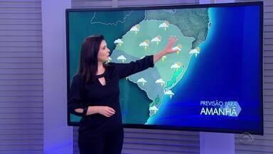 Domingo é de chuva e risco de temporais no RS durante este domingo (15) - Assista ao vídeo.