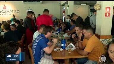 Período de confraternizações dobra o número de clientes em restaurantes - Período de confraternizações dobra o número de clientes em restaurantes