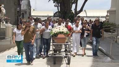 Suspeito de participação no assassinato de motoristas morre em confronto com a polícia - Duas das vítimas foram enterradas neste sábado (14).