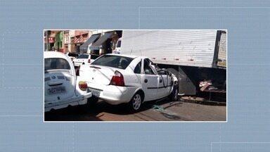Motorista embriagado envolve-se em acidente de trânsito em Presidente Prudente - Polícia Militar registrou o caso na tarde deste sábado (14).