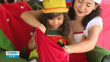 Projeto Papai Noel dos Correios faz entrega de presentes a crianças carentes - Projeto Papai Noel dos Correios faz entrega de presentes a crianças carentes.