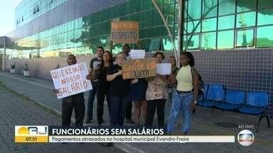 Médicos do Hospital Evandro Freire só atendem casos graves - A unidade da Ilha do Governador está com atendimento restrito.