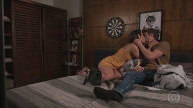 Leila seduz Filipe - O rapaz afirma que não quer magoar Leila