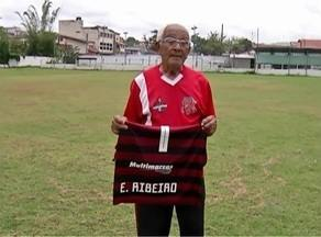 Primeiro técnico do meia Éverton Ribeiro, do Flamengo, relembra histórias com o jogador - O sêo Neco foi o primeiro treinador do jogador, em San Isabel, e contou histórias da carreia do meia, que é uma das esperanças do Flamengo no Mundial de Clubes.