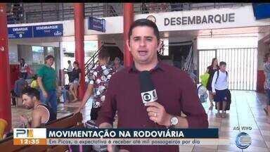 Cresce o fluxo de passageiros na rodoviária de Picos, no Sul do Piauí - Cresce o fluxo de passageiros na rodoviária de Picos, no Sul do Piauí