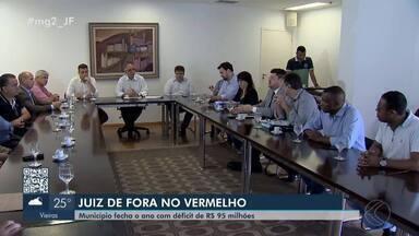 Prefeitura de Juiz de Fora fecha 2019 com déficit de R$ 95 milhões - Durante reunião, o prefeito Antônio Almas (PSDB) apresentou propostas para o próximo ano, como a criação da JFPrev, além de uma comissão para discutir o plano de carreira dos servidores.