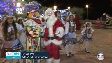 Palhaço Chocolate e Papai Noel incentivam doações na Vila de Natal da Globo - Tudo que for arrecadado será entregue a instituições
