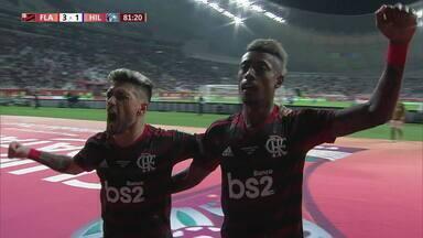 Flamengo vence de virada e já está na final do Mundial de Clubes - Em Doha, no Catar, o Al-Hilal saiu na frente. Mas o Flamengo derrotou o rival de virada no segundo tempo, por 3 a 1. Bruno Henrique, autor de um dos gols, foi um dos destaques do time rubro-negro.