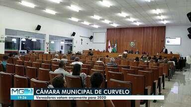 Vereadores de Curvelo votam orçamento para 2020 - Reunião foi marcada por polêmica.