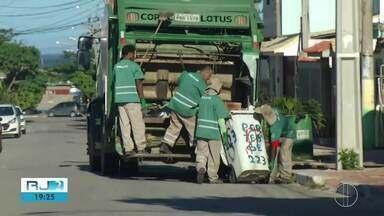 Serviço de coleta de lixo ficou reduzido no último fim de semana em Arraial do Cabo, no RJ - Problema será discutido no fórum do município, nesta quinta-feira (19).