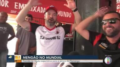 Torcedores do Flamengo na expectativa para a estreia do time no Mundial - Assista a seguir.