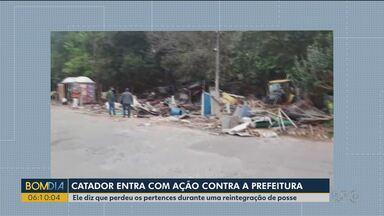 Catador entra com ação contra prefeitura de Curitiba - Ele diz que perdeu os pertences durante uma reintegração de posse.