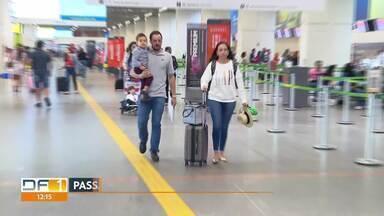 Ainda tem gente deixando o DF para as festas de fim de ano - Mais de cem mil pessoas partem do aeroporto JK e da rodoviária interestadual.