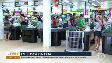 Santarenos lotam supermercados para compras dos itens da ceia na véspera do natal - Trânsito ao redor de grandes supermercados está lento e intenso.