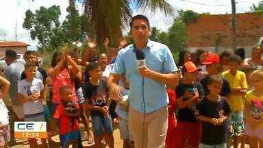 Crianças pedem galinhas ao Papai Noel para comer ovo - Saiba mais no g1.com.br/ce