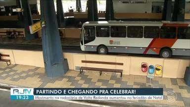 Movimento na rodoviária de Volta Redonda aumenta no feriadão de fim de ano - Cerca de 20 mil passageiros devem passar pelo terminal durante este período.