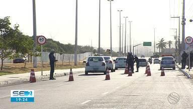 Fiscalização é reforçada nas estradas na véspera de Natal em Sergipe - Nesse período, o risco de acidentes é grande.