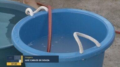 Moradores de Penha e Balneário Camboriú usam a criatividade com a falta de água - Moradores de Penha e Balneário Camboriú usam a criatividade com a falta de água