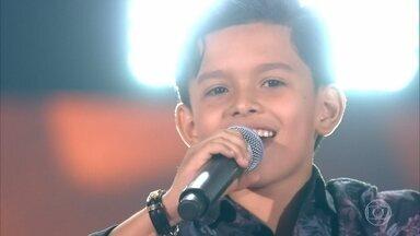 """Vinne Ramos canta """"Fui Fiel"""" - Confira as avaliações dos técnicos e o time escolhido pelo cantor"""