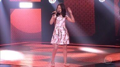 """Ana Julia Poletto canta """"Jailhouse Rock"""" - Confira a avaliação dos técnicos e descubra qual time a cantora escolheu"""