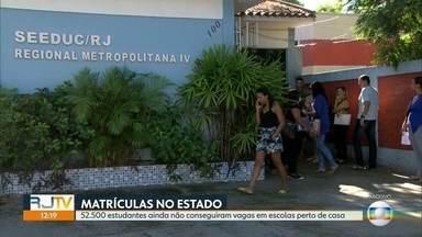 Pais reclamam da falta de vagas nas escolas perto de casa - Estado diz que novas vagas vão aparecer no sistema na segunda fase da matrícula