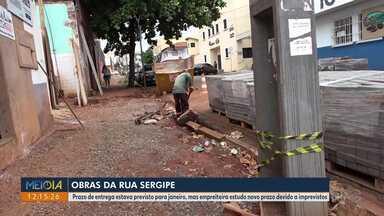 Obras da rua Sergipe estão atrasadas - Prazo de entrega estava previsto para janeiro, mas empreiteira estudo novo prazo devido a imprevistos.