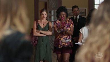 Paloma tenta interrogar Patricia - Willian pede que Paloma lhe conte sobre tudo