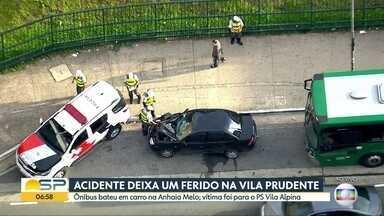 Um ferido em acidente na Vila Prudente - Ônibus bateu em um carro na Avenida Anhaia Melo.